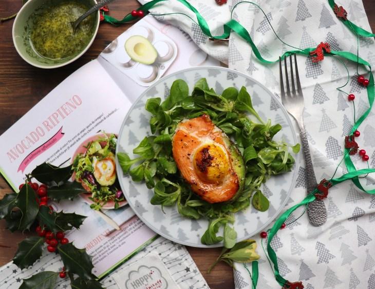 avocado-nomos-con-salmone-e-uova