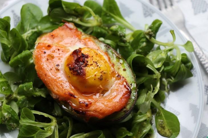libro-avocado-nomos-con-salmone