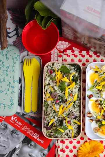 riso roma con aromi e uova e fiori