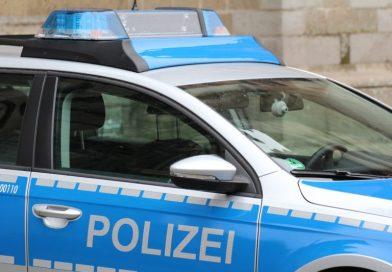 Räuberische Erpressung zum Nachteil der Sparkassenfiliale Friedland durch zwei männliche unbekannte Täter.