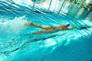 Schwimmerin-im-Sportbad-Foto-STW-Wiedemann