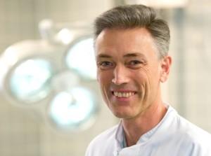 PD Dr. Ulrich Fauth  Chefarzt der Klinik für Anästhesie, Intensivmedizin und Notfallmedizin