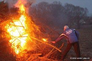 Lange Tradition: Das Osterfeuer der Schmandhasen (Archivfoto: Rainer Sander)