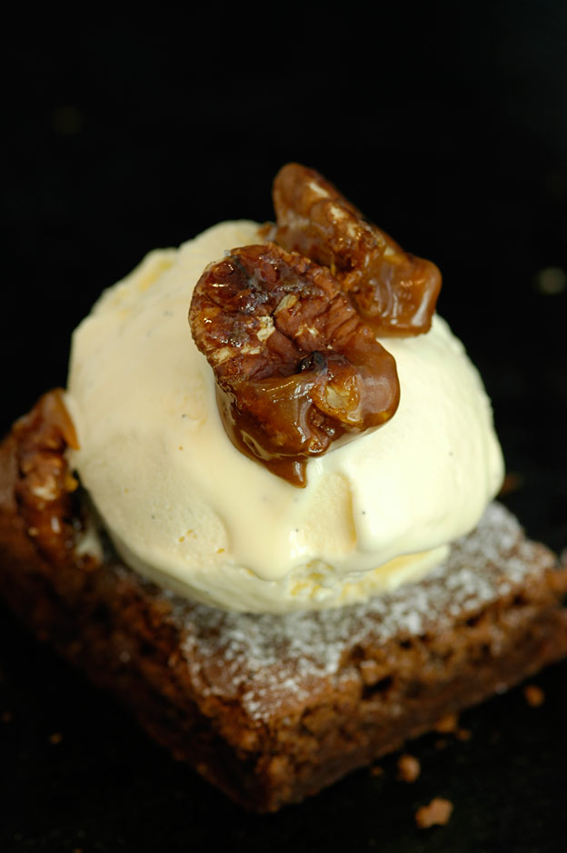 Brownies with salted caramel sauce and sugared pecans
