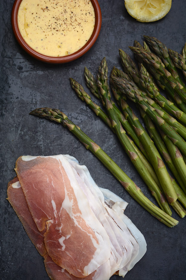 Asparagus with cured ham
