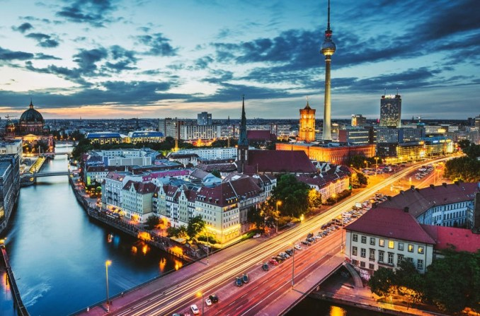 Join White Nights in Berlin