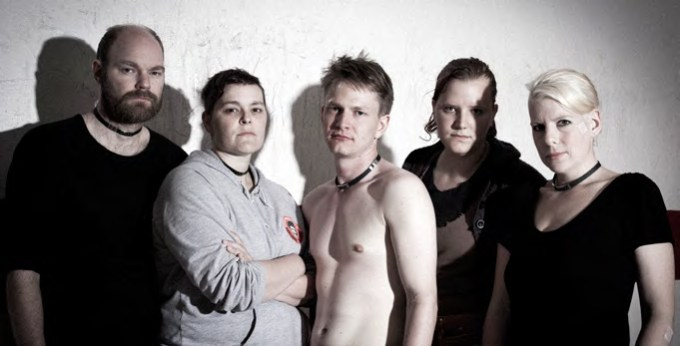 A team consists of five: physiotherapist, trainer, fighter, fixer and pleaser. (Post-game, Ylva Bergman)