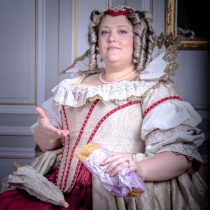 """""""Anne d'Autriche with a Jambon-Beurre"""", or when anachronism is a kind of dissonance. Photo taken before the Fouquet's larp by Jérôme Verdier - Photographe."""