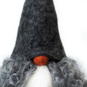 Verner in grey hat and gotland fur closeup