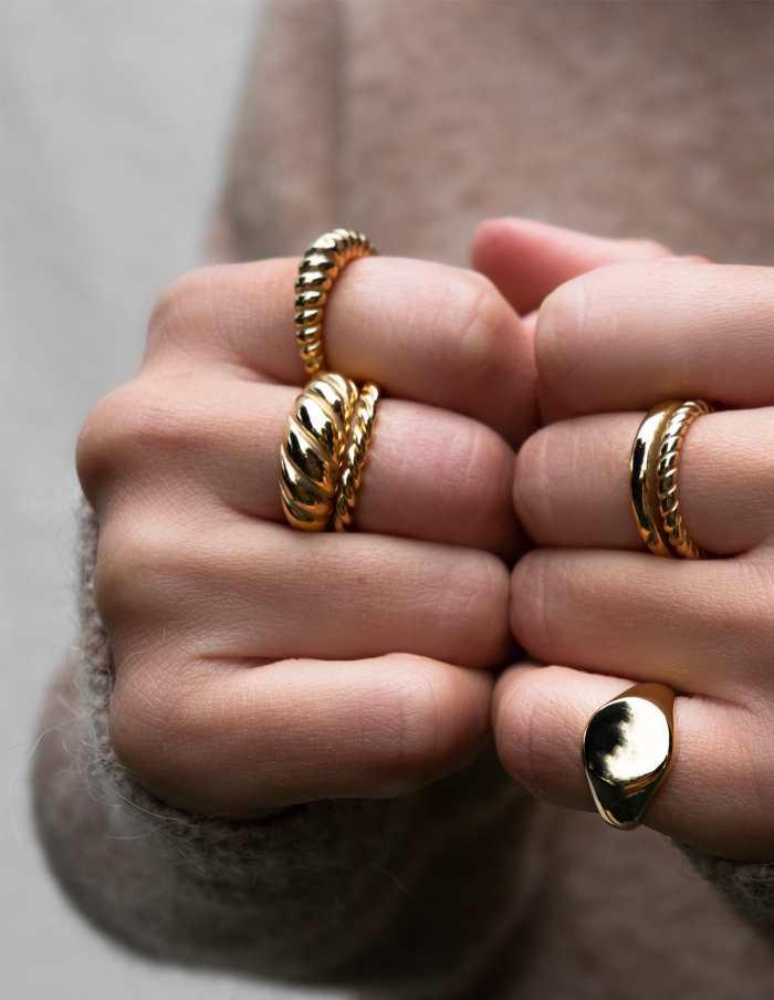 Gold Round Signet Ring, Forever Lasting