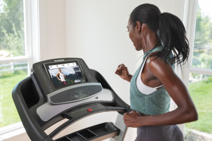 nordictrack commercial 2450 Treadmill with iFIT
