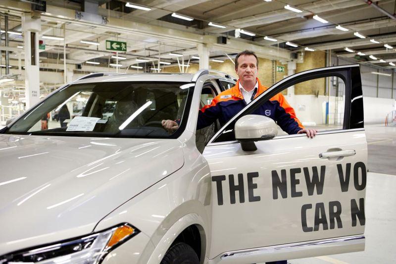 Volvo XC90. Das erste Serienfahrzeug rollt im Werk Torslanda vom Band. Bild: Volvo Cars