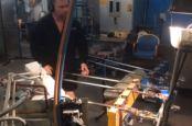 Produktion XC90 Schaltknauf von Orrefors.