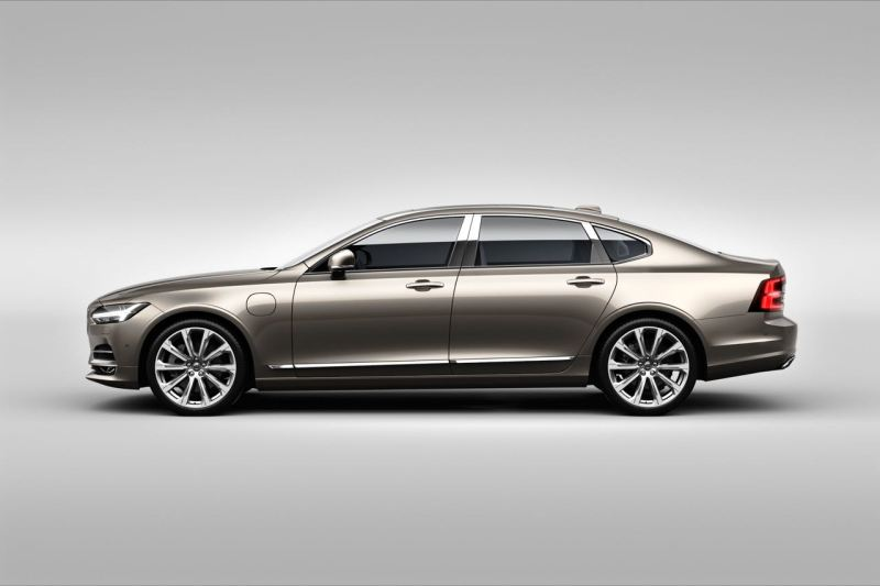 S90 Excellence exterior side