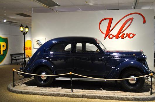 Klassische Fahrzeuge werden liebevoll präsentiert.