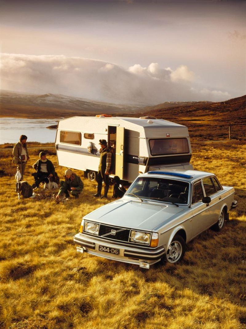 Volvo 244 GL D6 und Wohnwagen. Optimal!