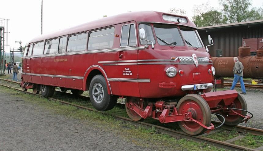SchiStra_Bus_by_Kotbaum
