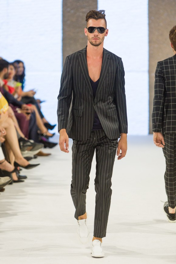 shayne-gray-TOM-aug-20-runway-Dalla-1182