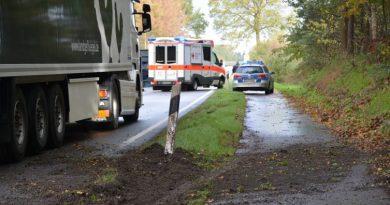Lkw zwischen Meppen und Hüntel umgekippt Foto: NordNews.de