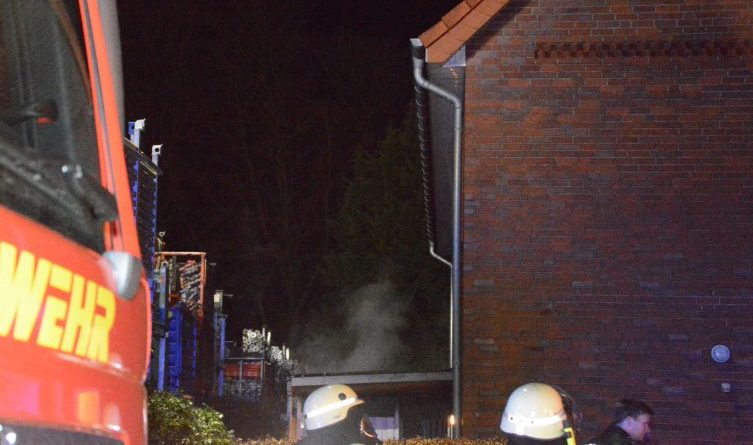 Aktuell Brand eines Fahrradunterstands in Lingen Foto: NordNews.de