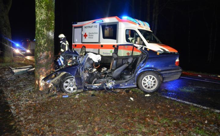 Aktuell Glätte verursacht PKW gegen Baum in Haren Foto: NordNews.de