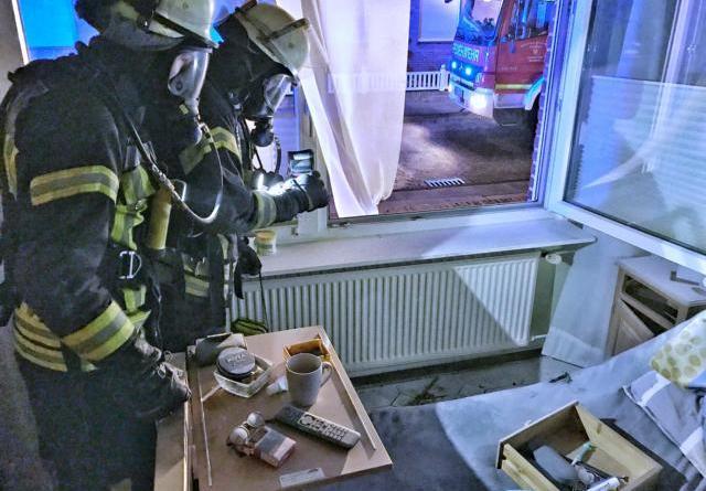 Nordhorn - Zwei Verletzte bei Zimmerbrand auf der Blanke - offizielle Polizeimeldung in Kombination mit der Feuerwehrmeldung Foto: Feuerwehr Nordhorn