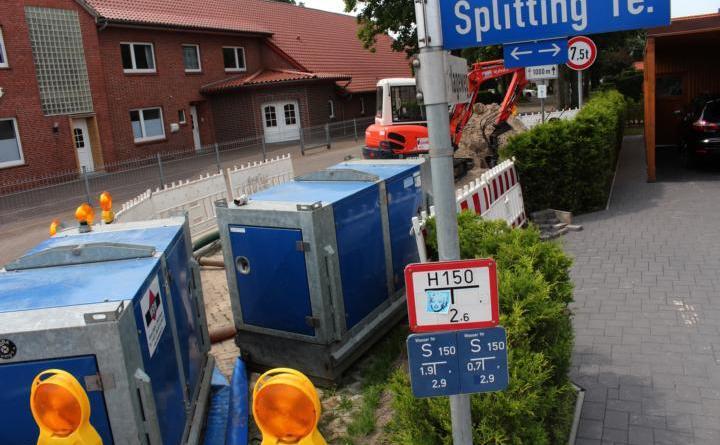 Sanierung des Kanals Ecke Splitting/Burlageweg - Sperrung -Zu einer kompletten Sperrung des Einmündungsbereichs Burlageweg/Splitting wird es ab dem 11. Juni kommen. Der Grund ist die Reparatur einer Kanalleitung unter der Straße. Foto: Stadt Papenburg