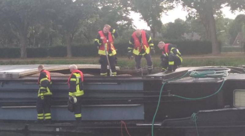 Lingen: Schiffsbrand am Neuen Hafen Foto: NordNews.de