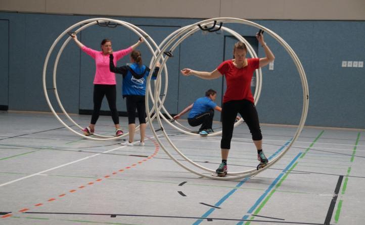 Interkultureller Frauensporttag in Lengerich ein voller Erfolg -Teilnehmerinnen testen neue Sportarten - Viele verschiedene Sportangebote konnten beim diesjährigen Frauensporttag ausprobiert werden. Foto: KSB