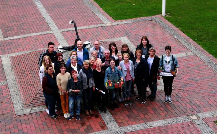 Freuen sich gemeinsam auf den Weltkindertag in Papenburg am 22. September: Die Organisatoren des Kinderfestes am 22. September in Papenburg. Foto: Stadt Papenburg
