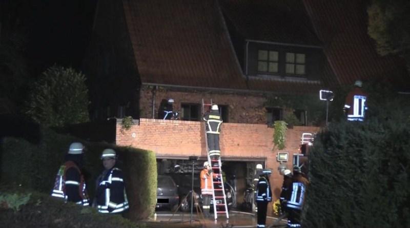 Lingen - Altenlingen - Garagenbrand neben der Feuerwehr am Forstweg- Foto: NordNews.de