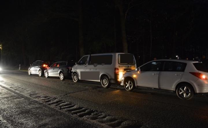 AKTUELL - Verkehrsunfall mit vier Fahrzeugen auf der Osterbrocker Strasse Foto: NordNews.de