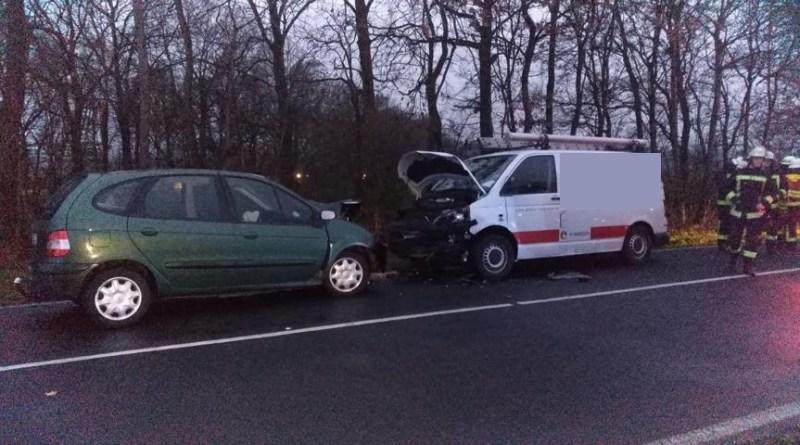 Verkehrsunfall in Meppen mit sechs verletzten Personen auf dem Bawinkeler Damm Foto: NordNews.de