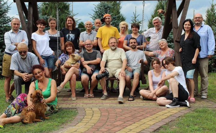 Die Teilnehmer der Sommerakademie für Landschaftsmalerei und Literatur in Czarnia. Das Foto stammt von Anna Solbach vom Partnerschaftskomitee Meppen e. V., die die Veranstaltung 2017 fotografisch begleitet hat. Foto: Anna Solbach