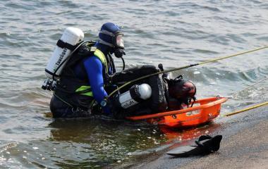 Das Reagieren auf eine Notsituation, sowie das Retten eines verunfallten Tauchers standen ebenfalls auf der Tagesordnung Foto: Jens Menke, Feuerwehr Meppen