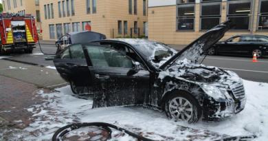 Aktuell in Lingen - PKW Brand auf dem Konrad Adenauer Ring Foto: NordNews.de Übersicht