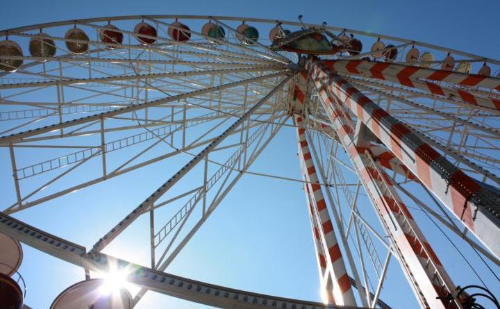 Auch ein Riesenrad wird es beim diesjährigen Maimarkt wieder geben. Foto: Stadt Papenburg