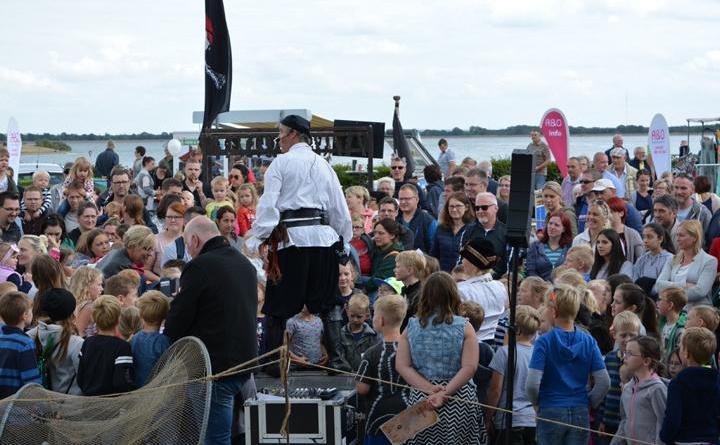 Samstag rockte der Speichersee und Sonntag wurde er von Piraten geentert - Foto: Gemeinde Geeste