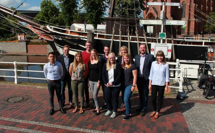 Im Rahmen einer kleinen Feierstunde wurde den erfolgreichen Auszubildenden der Stadt Papenburg gedankt. Foto: Stadt Papenburg