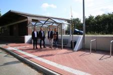Barrierefrei hergestellt ist die Bushaltestelle am Emmelner Bahnhof. Foto: Stadt Haren