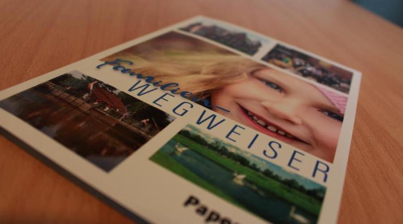Der neue Familienwegweiser steht ab sofort bei der Stadt Papenburg online zum Download bereit. Foto: Stadt Papenburg
