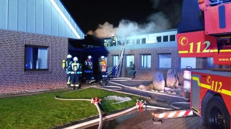 Brandeinsatz bei der Fettschmelze in Sögel - Schaltkasten stand in Flammen - Foto: SG Sögel / Feuerwehr