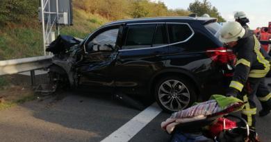 Aktuell - Schwerer Unfall auf der A 31 Fahrtrichtung Norden - Foto: NOrdNews.de Übersicht1