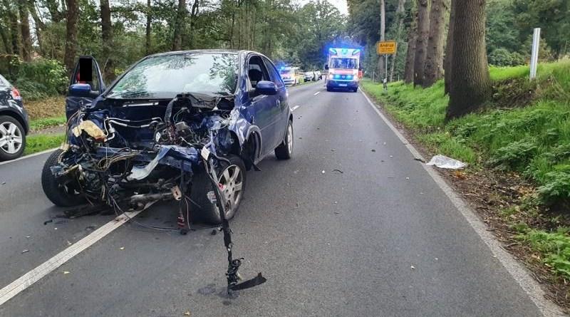 Haselünne - Schwerer Verkehrsunfall auf der Alten Dorfstraße - Foto: NordNews.de Übersicht