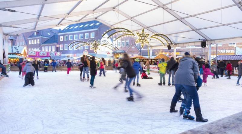 """In der Zeit von 19.00 bis 22.00 Uhr ist der Eintritt zur Eislaufbahn am """"Happy Friday"""" kostenlos (Copyright: Stefan Schöning)."""
