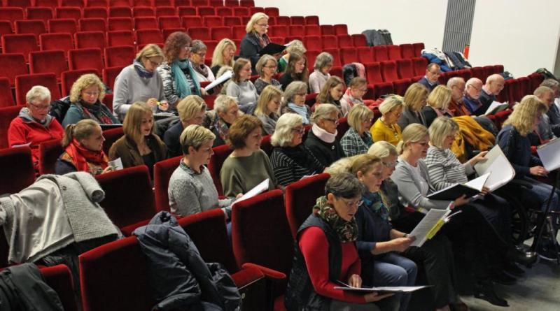 Chorprobe im Theater Meppen - Foto: Jens Menke