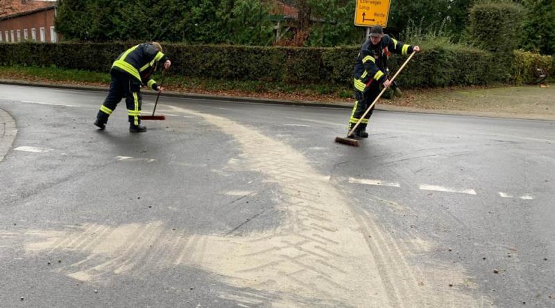 Betonverunreinigung auf der L62 - Foto: SG Sögel / Feuerwehr