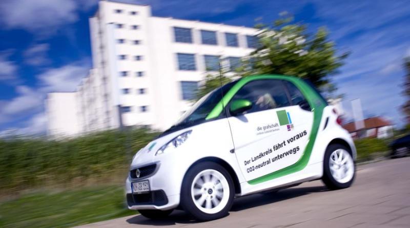 Informationen und Probefahrten zur klimafreundlichen Mobilität werden am Elektromobilitätstag am 19. April angeboten. Foto: Landkreis Grafschaft Bentheim