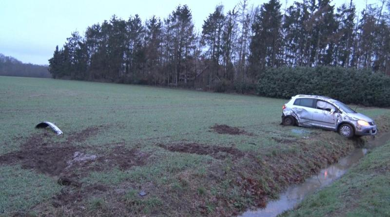 19-jährige aus Lohne verliert Kontrolle über Auto und überschlägt sich - Foto: NordNews.de