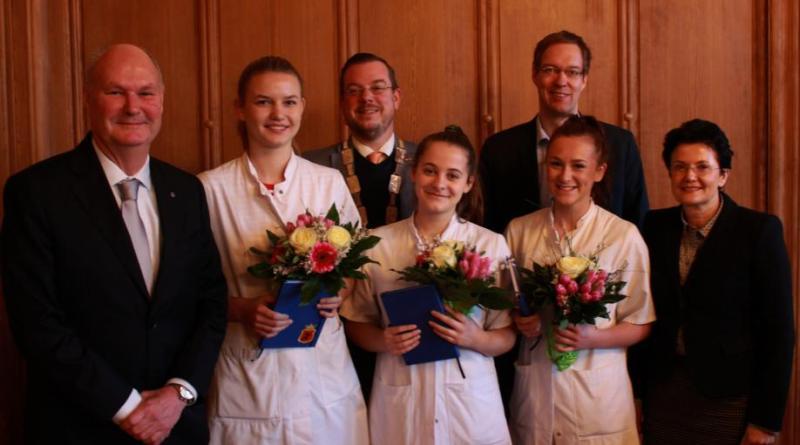 150. Medizinstudentin aus Groningen empfangen - Foto: Stadt Papenburg